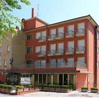 Hotel 3 Querce Camerano