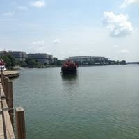 Boomerang Boat at Georgetown Waterfront