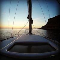Egadi nel vento Favignana in barca a  vela