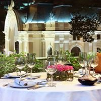 Reflections Restaurant - Caravelle Hotel