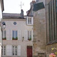 La Porte Rouge Chambres D'hotes - The Red Door Inn B&B
