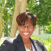 Chandra Ware, Real Estate Broker-Luxury Home Specialist