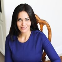 Gabriela Saravia, Dash Realty