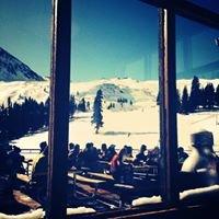 Black Mountain Lodge, ABasin