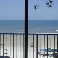 The Jewell's Beach Condo