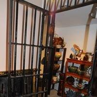 Jailhouse Antiques