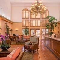 La Fuente Inn and Suites