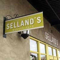 Selland Family Restaurant And Cafe