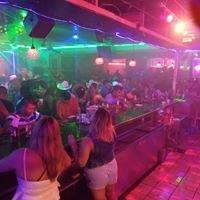 El Deseo Restaurant Bar & Grill