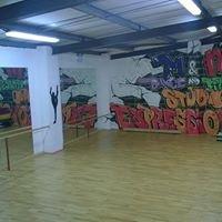 M&m Dance & Performing Arts Studios