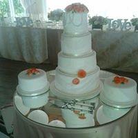 Zinelise Indulgence Cakes