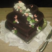 Wedding & Novelty Cakes by Lesley