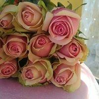 L'arvine Flowers & Chocolatier