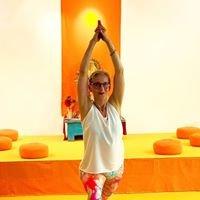 Martina Vollbrecht Yoga + Certified DRU Meditation Teacher