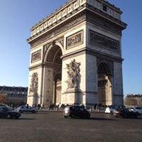 Champs Elysées Arc de Triomphe