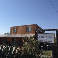 The Historic Leakey Inn