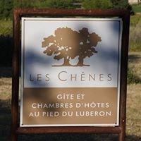 Les Chênes - Gîtes et chambres d'hôtes au pied du luberon