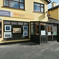 Frameworks picture framing and photo centre