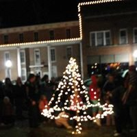 Scottsburg Courtyard Christmas