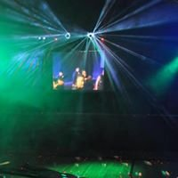 The Hull Experience (Mobile dj/vj, event planning) Jeff & Suzy Hull