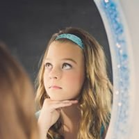Mirror Mirror Salon & Nail Spa