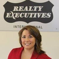 Stephanie Drag, Sales Associate/Realtor