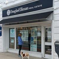 Douglas Elliman Real Estate Office in Babylon, NY
