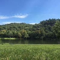 White River Resort Riverside Retreat