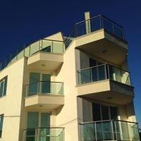 Mar Vista Apartment Complex