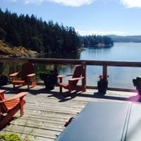 Arbutus Cove Guesthouse and Cottage