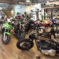 モトフリーク ウイリー /  Moto Freak Welea /  Okinawa-Japan