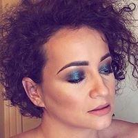 Lore / Make-up & Lash Artist