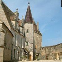 Burg Châteauneuf-en-Auxois