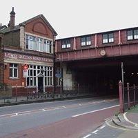 Queenstown Road  railway station
