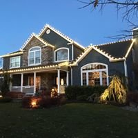 We Hang Christmas Lights.com of Long Island