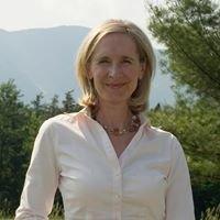 Leslie Gauff, Broker Coldwell Banker Carlson Real Estate