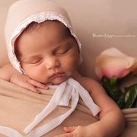Florencia Rizzo Newborn and Family Photography in Miami