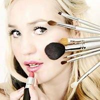 Amy Forsyth Makeup Artist