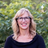 Sue Crites MSc, NCP Holistic Healing and Qigong
