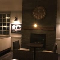 La Cabina & Carrington's English Lounge