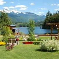 Griffin Lake Cabins - Revelstoke, BC