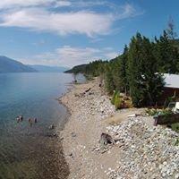 Kootenay Lake Lodge - Waterfront Log Chalets & RV sites
