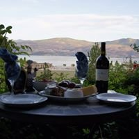 Apple Blossom Bed and Breakfast: Kelowna, BC Canada