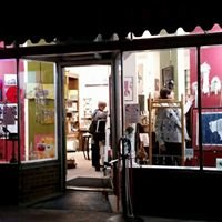 Three Crows Gallery and Gifts