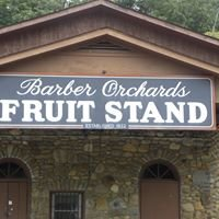 Barber Orchards Fruit Stand
