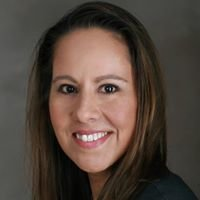 Anna Perez Farmers Insurance Agent