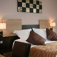 Qualys HOTEL Auberge de la Petite Ferme