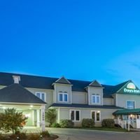 Days Inn & Suites - Victorian Conference Center