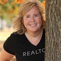 Dee Toll - Realtor