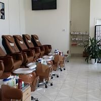 B Nails Salon